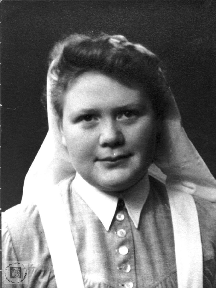 Portrett av Borghild Trygsland, Bjelland.