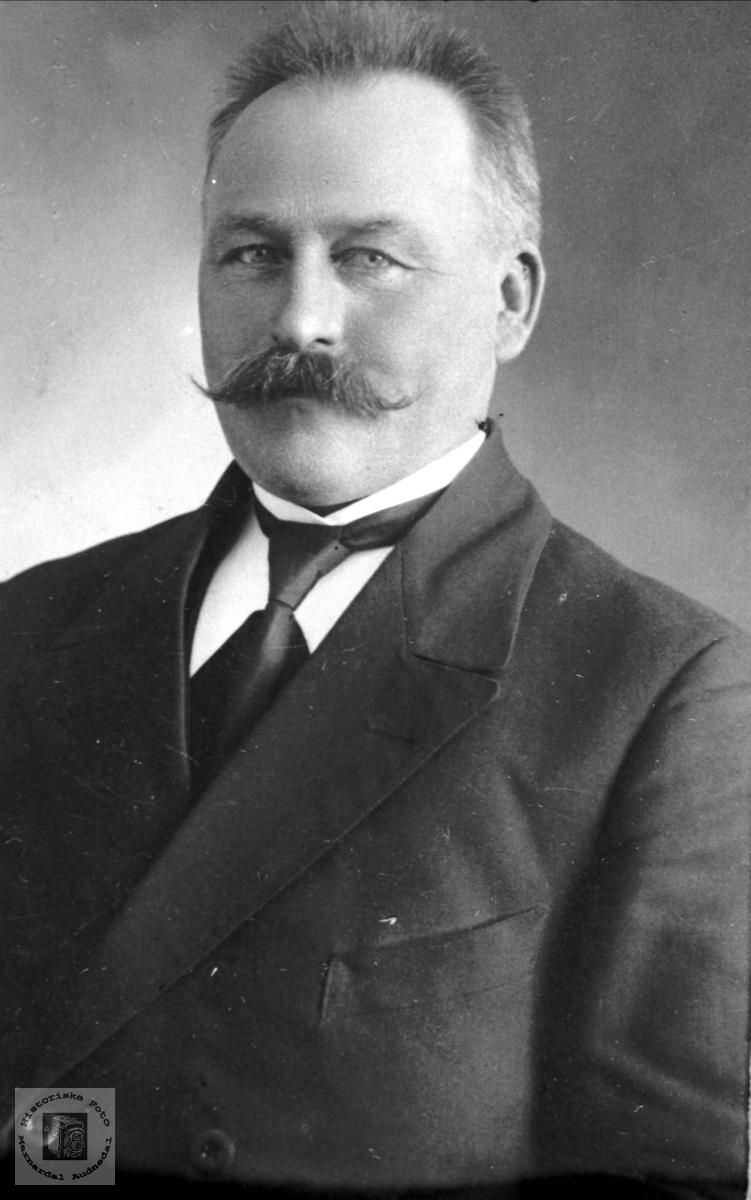 Portrett av Ole N. Skuland, Laudal.