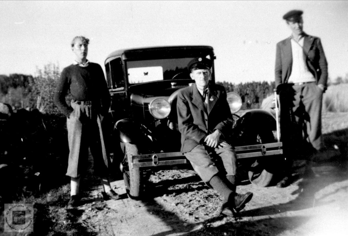 Gruppebilde med Forden og personer fra Øyslebø området.