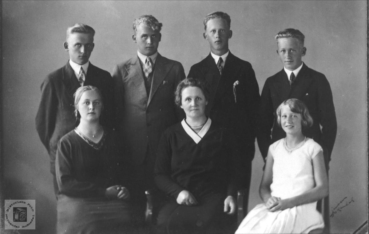 Familiegruppe Øislebø, Øyslebø.