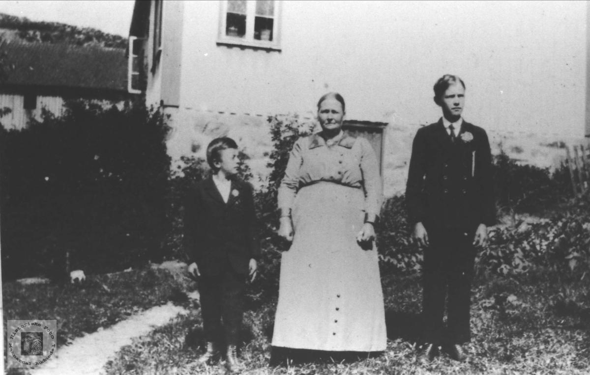 Familiegruppe Brunvatne, Øyslebø nå Søgne.
