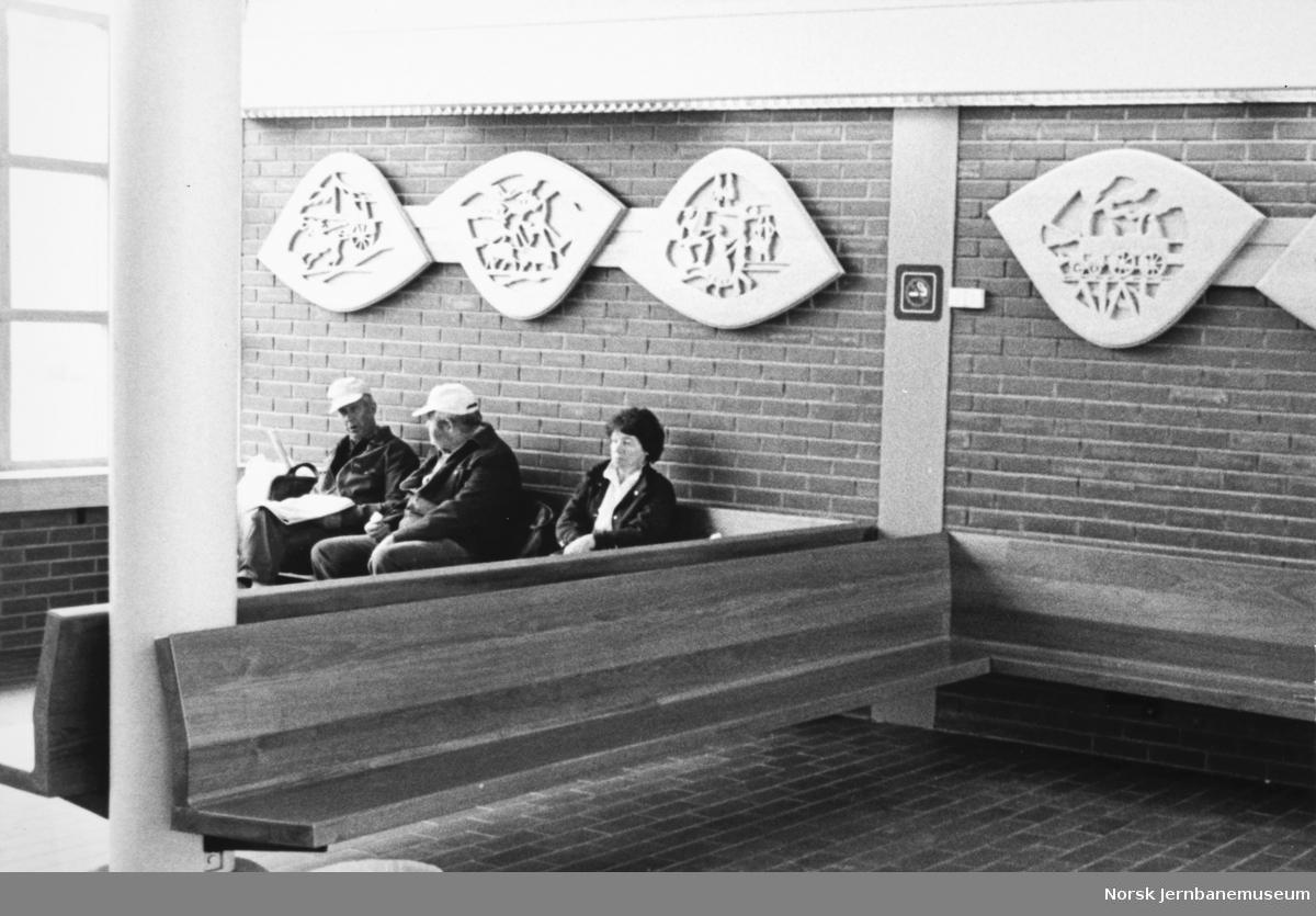 Moelv nye stasjonsbygning, venterommet