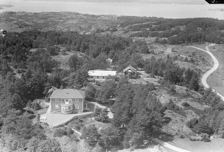 """Enligt AB Flygtrafik Bengtsfors: """"Källsby Jörlanda. Not. Glimstedt. S. vägen 59. Gbg. Jörlanda Omr. Bohuslän""""."""