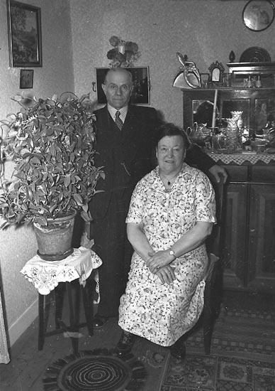 "Enligt notering: ""Murare Lundström""."