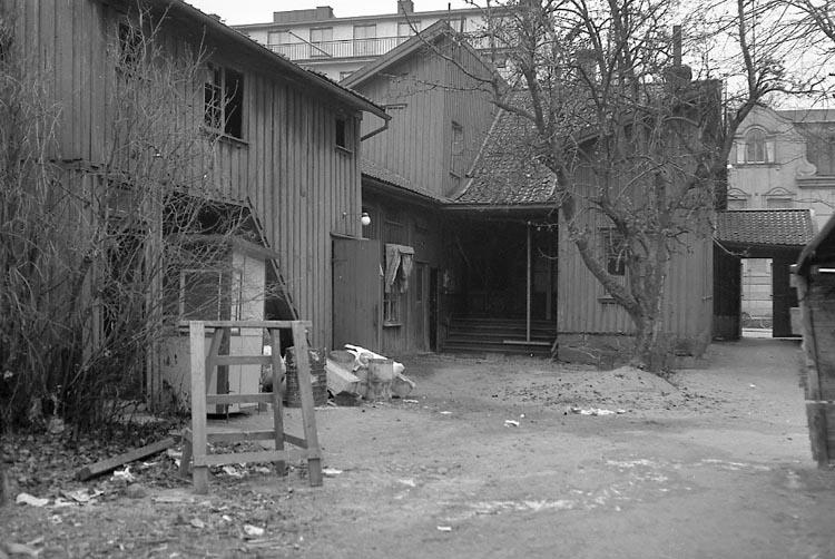 """Enligt notering: """"Börjesson gård 16/11 1947""""."""