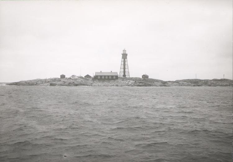 """Noterat på kortet: """"PATER NOSTER (HAMNESKÄR)"""" """"FOTO (C95) DAN SAMUELSON 1924. KÖPT AV DENS. DEC. 1958""""."""