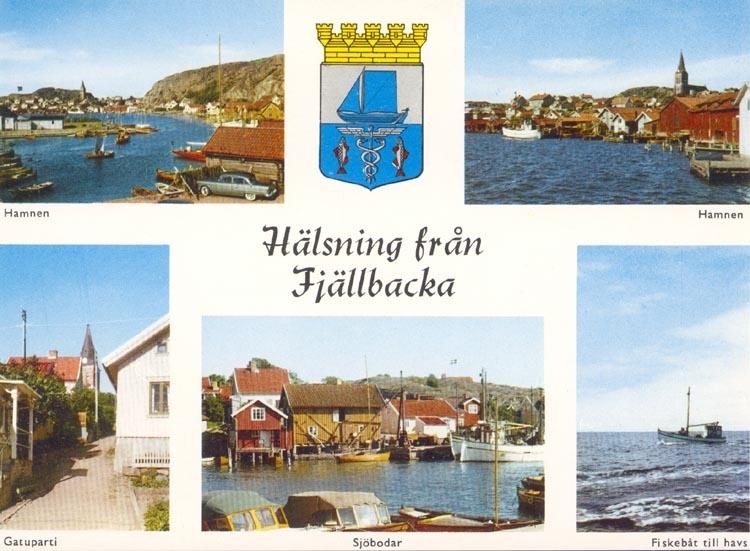 """Tryckt text på kortet: """"Hälsning från Fjällbacka"""". """"Hamnen, Gatuparti, Sjöbodar, Fiskebåt till havs"""". """"Förlag: Firma H. Lindenhag, Göteborg""""."""