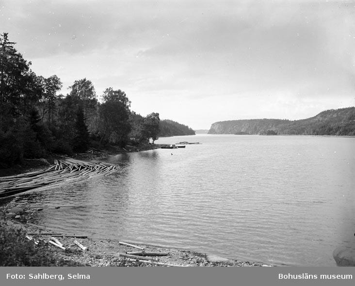 """Enligt fotografens noteringar: """"Sjön Kärn vid Tångenäbbet."""""""