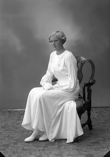"Enligt fotografens journal nr 6 1930-1943: ""Löthgren, Fr. Margareta Aschebergsg. 39""."