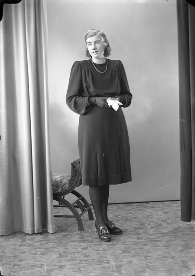 """Enligt fotografens journal nr 6 1930-1943: """"Gunst, Ulla Lundby Spekeröd""""."""