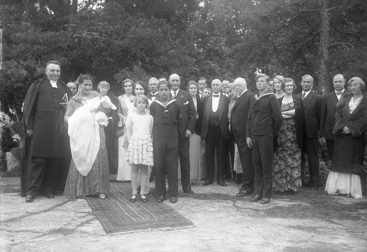 "Enligt fotografens journal nr 6 1930-1943: ""Aspegren, Konsul (Dopet) Stenungsön""."