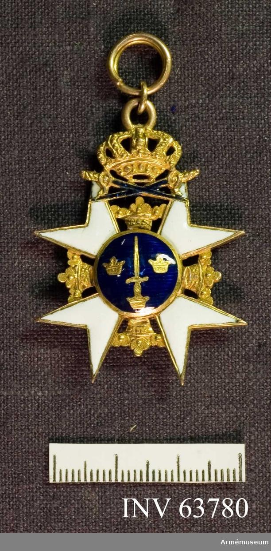 Grupp M II. Kungligt Svärdsordens riddarkors, 1700-tals typ utan kulor i spetsarna, utan ordensband.
