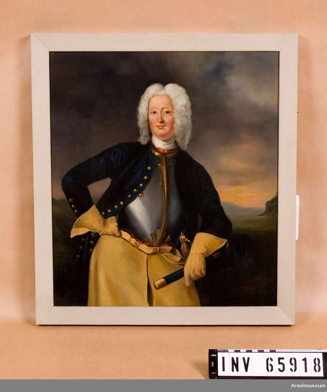 Grupp M I.  Oljemålning i form av porträtt föreställande Carl Cronstedt f. 1672 d. 1750, friherre, generallöjtnant, president i Krigskollegium, det svenska artilleriets skapare.  Porträttet är en kopia utfört av Henrik Scheffel (1690-1781).  Cronstedt är porträtterad framifrån lutad mot en kanon. Han bär vit och röd halsbindel, harnesk karolinsk dräkt och långa kraghandskar. Huvudet är bart med peruk. Infattning: förgylld träram, utomkring slät, innanför pärlkant.