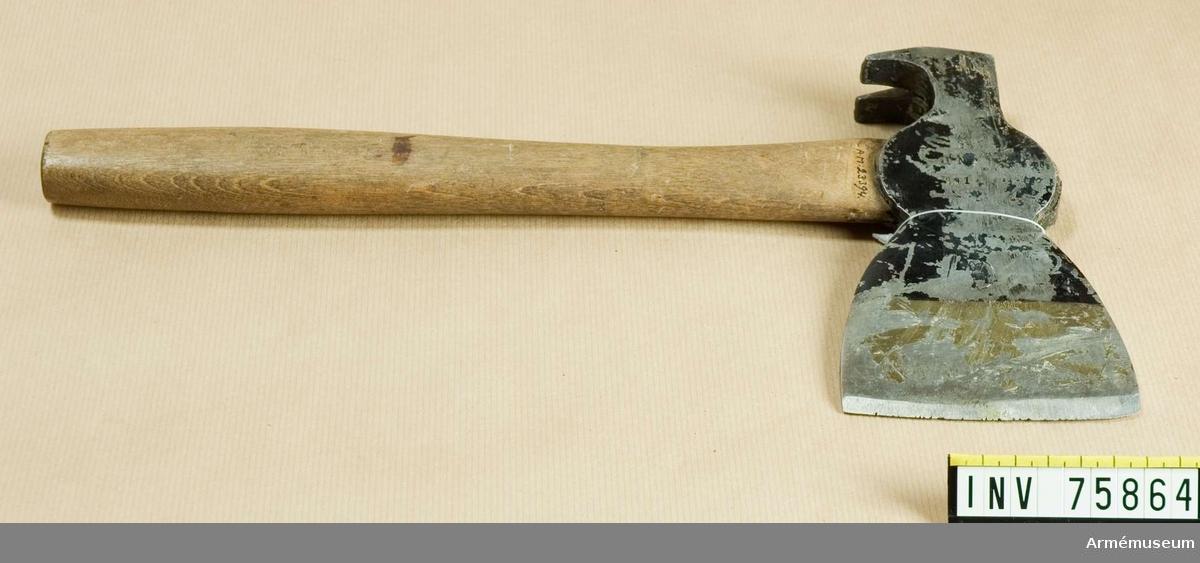 Grupp G IV.  Yxa med hammare och spikutdragare, ingenjörtrupp 2 1914