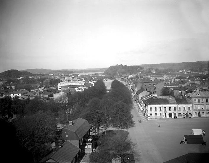 """Uddevalla. """"Utsikt från Klocktornsberget mot väster."""""""