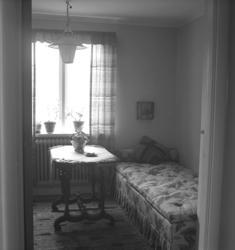 """Text till bilden: """"Interiör. Rylanders villa Pallen. 1947.04"""