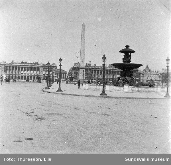 Del av Place de la Concorde, med Luxorobelisken och den ena fontänen, Paris, Frankrike.