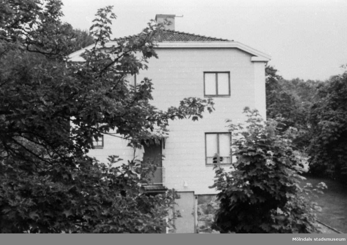 Husgaveln på fastigheten Brunnsgatan 9 i Ryet, 1960-tal.