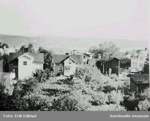 Vy över kvarteret Linden, Södermalm, från fastigheten Södermalmsgatan 8, familjen Edblads hem.
