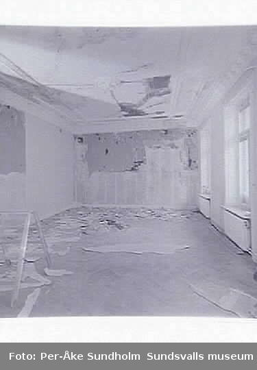 Restaurering efter brand i vindsvåning, Blombergska huset, Jupiter 5. Salong mot gatan, plan 2, Storgatan 16.