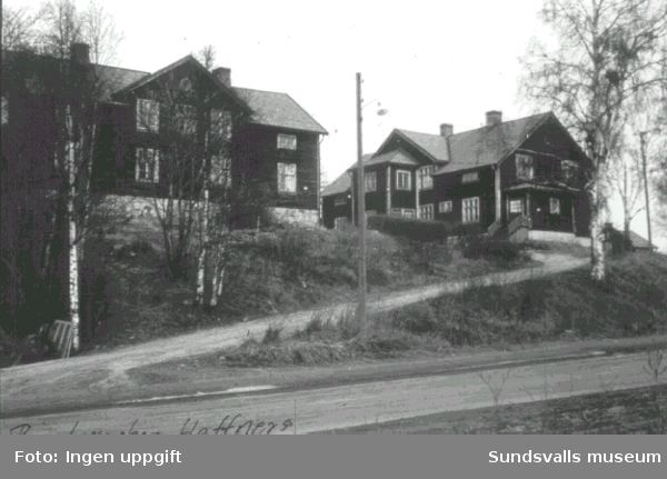 """Arbetarbostäder ovanför Heffners västra såg """"Ringbaracken"""""""