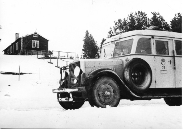 Linjerna Ånge - Röjan - Fjällnäs. Postdiligensen i Valmåsen, Härjedalen, 1939.