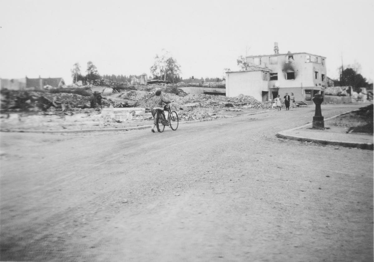 Leiret i ruiner. St. Olavs gate.