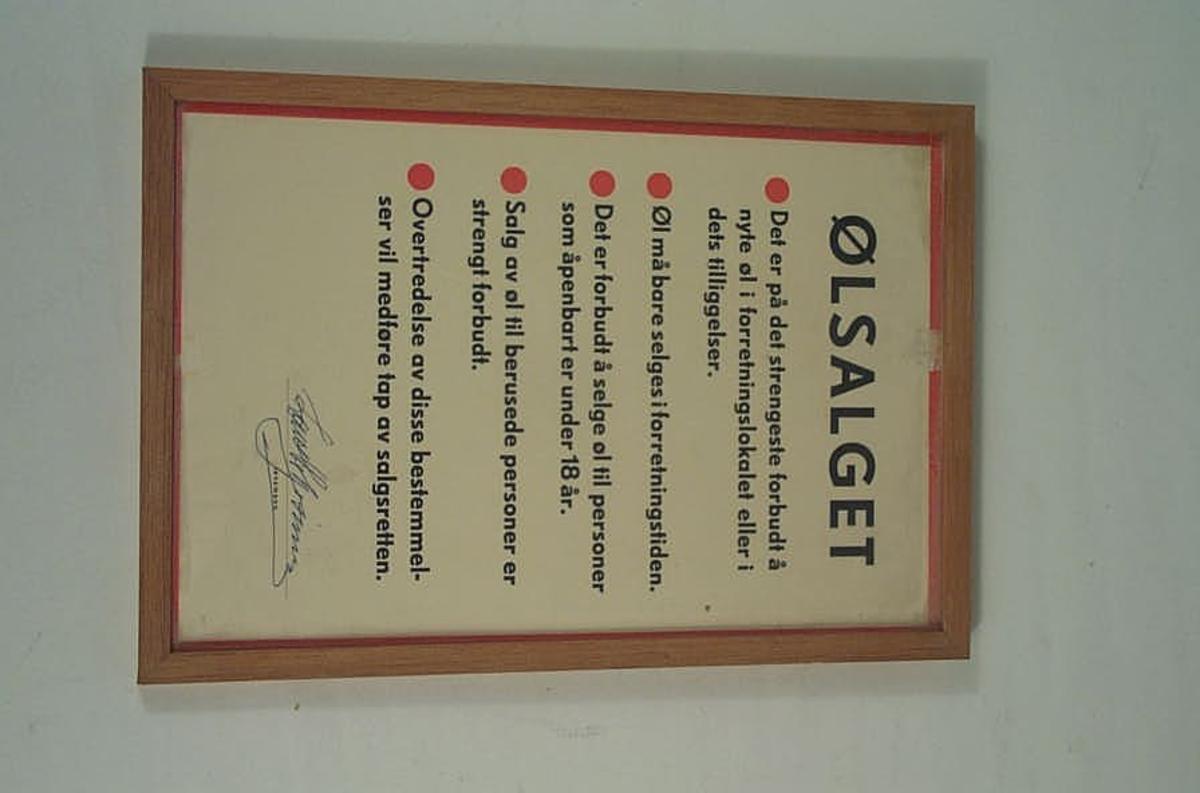Form: Rektanguler Lovplakat frå landhandelen til K. Kristoffersen i Skjolden. Butikken vart nedlagd omkring 1998-99.