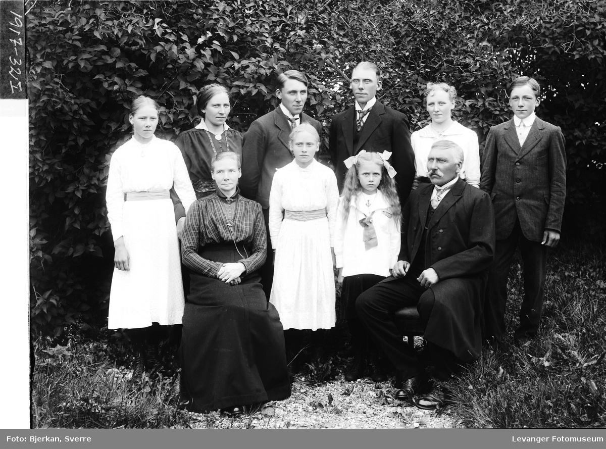 G. Berg på Ulve med familie