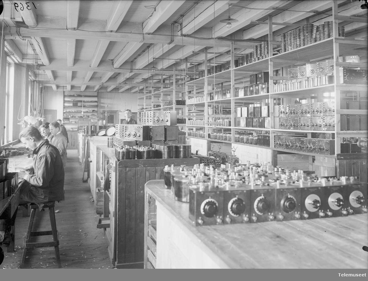EBs avdeling 14, radioavdelingen, Eletrisk Bureau.