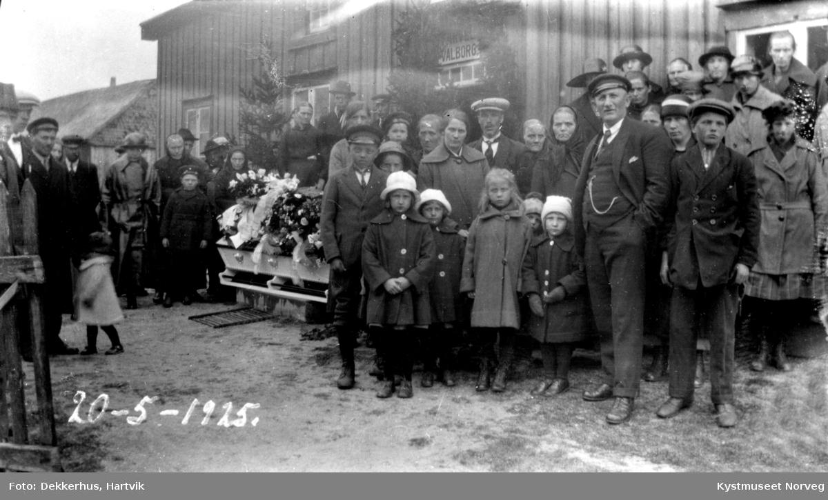 Valborg Ofstads begravelse