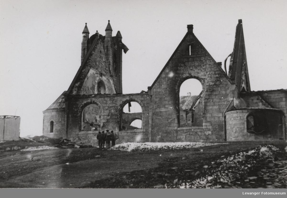 Namsos kirke etter bombingen.