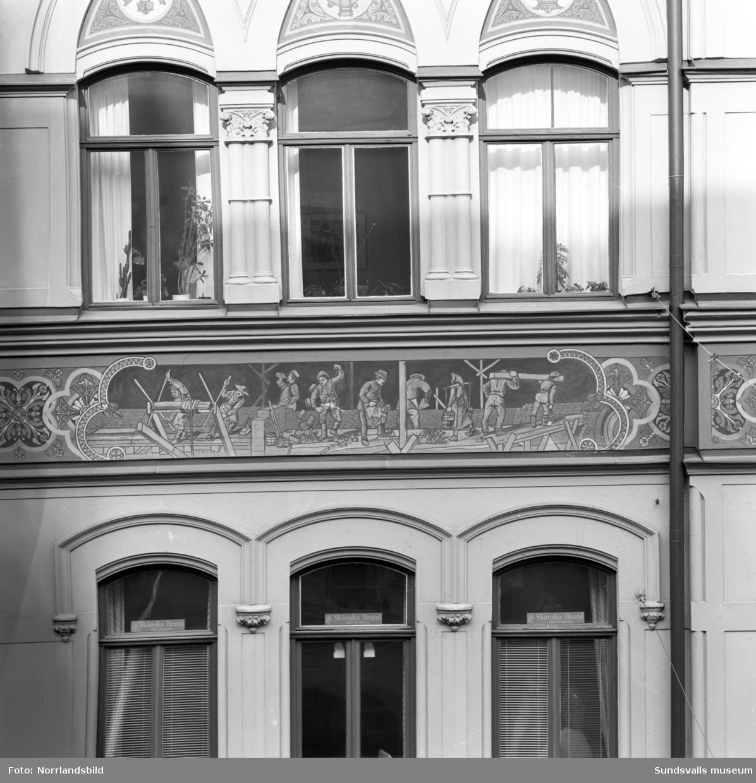 Väggmålningar på fasader i Sundsvalls stenstad.