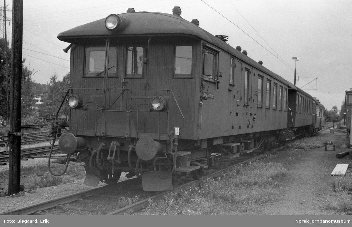 Styrevogn litra BDFS 65 nr. 18608 på Ski stasjon