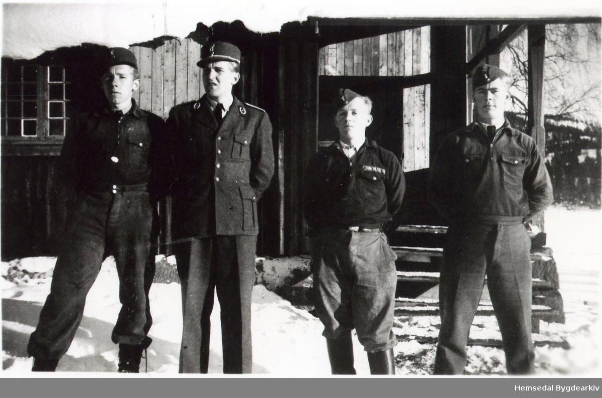 Arbeidstenesta ved Røsstjern i  Ringerikstraktene 1943-44.. Nesttroppsjef Keiser, Troppssjef Lerberg, Lagførar Ekeberg, Helseassistent Hagen