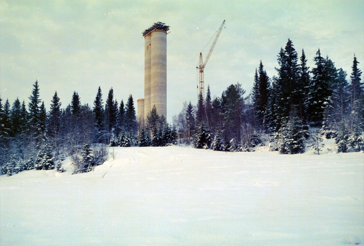 Bygging av Astrup sjakttårn, Løkken Verk.