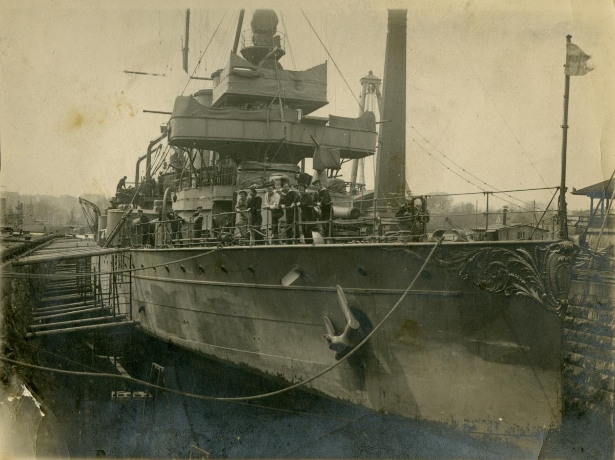 På Åland 1917-18- pansarskeppet Oscar II