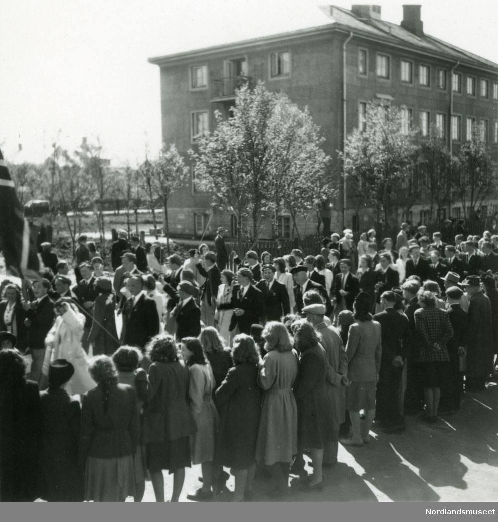 17. maitog foran Bodø Alders og sykehjem. Første feiring etter krigen?