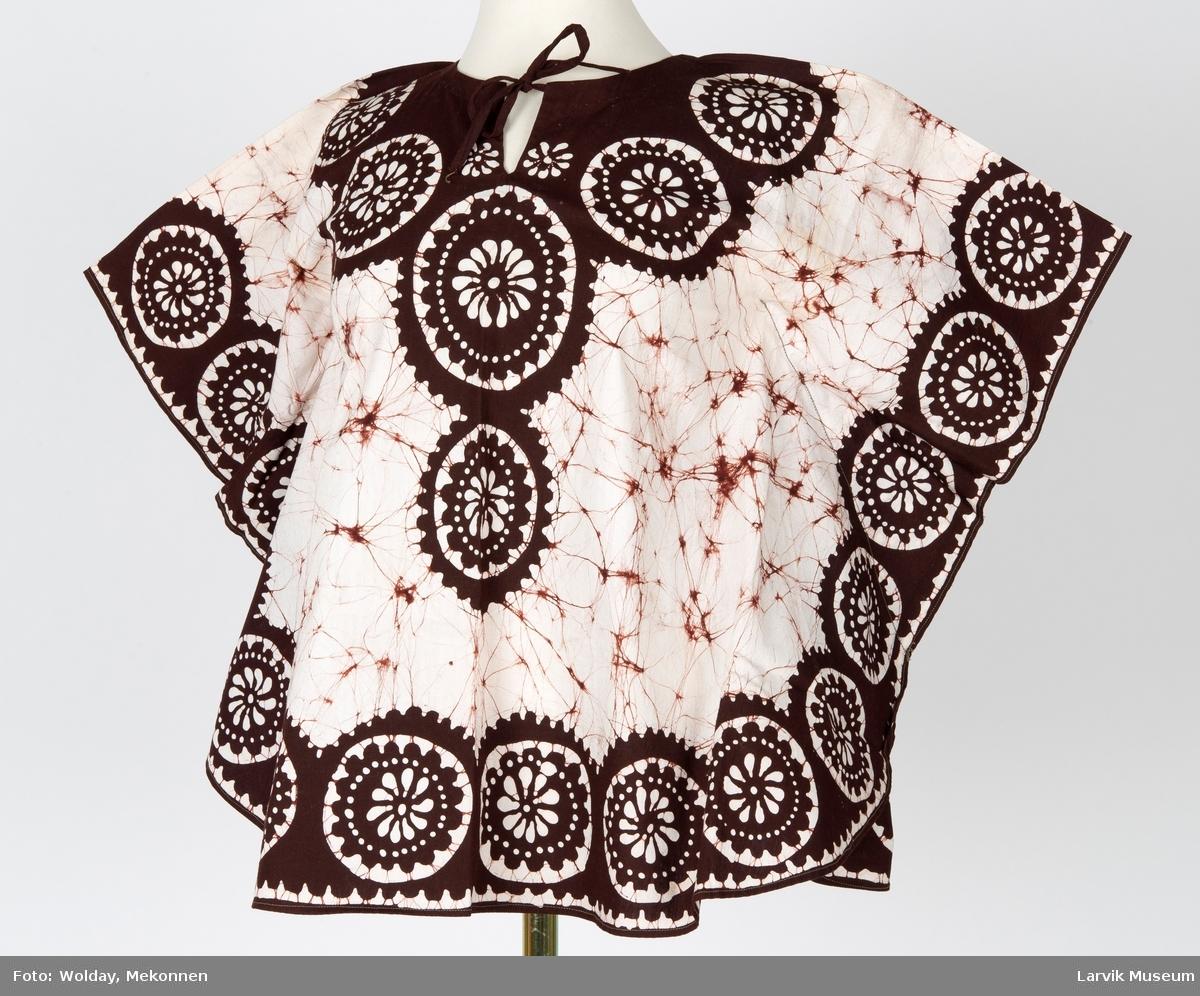 Batikkmønster og rosetter