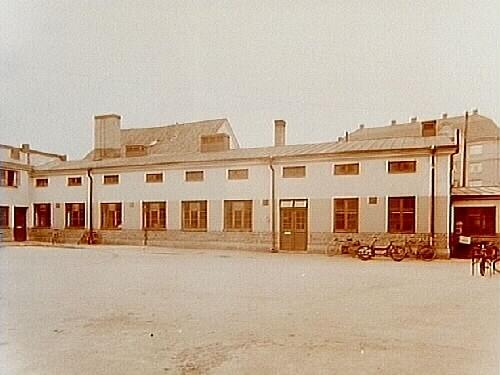 Arvid Gullbergs Charkfabrik, en och en halvvånings charkfabrik.