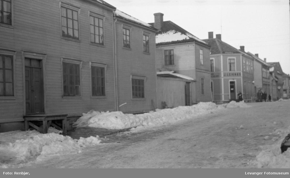Vinterbilder av Stadion og Renbjørgården.