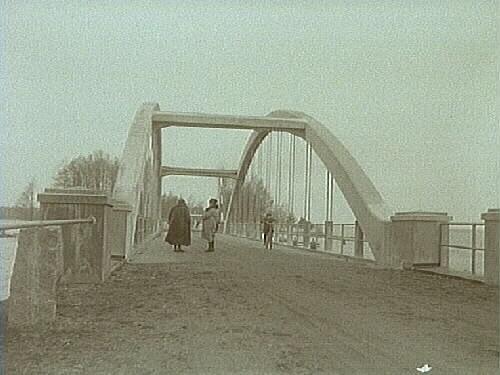 5 november 1929. Bron vid Hjälmarsund invigd