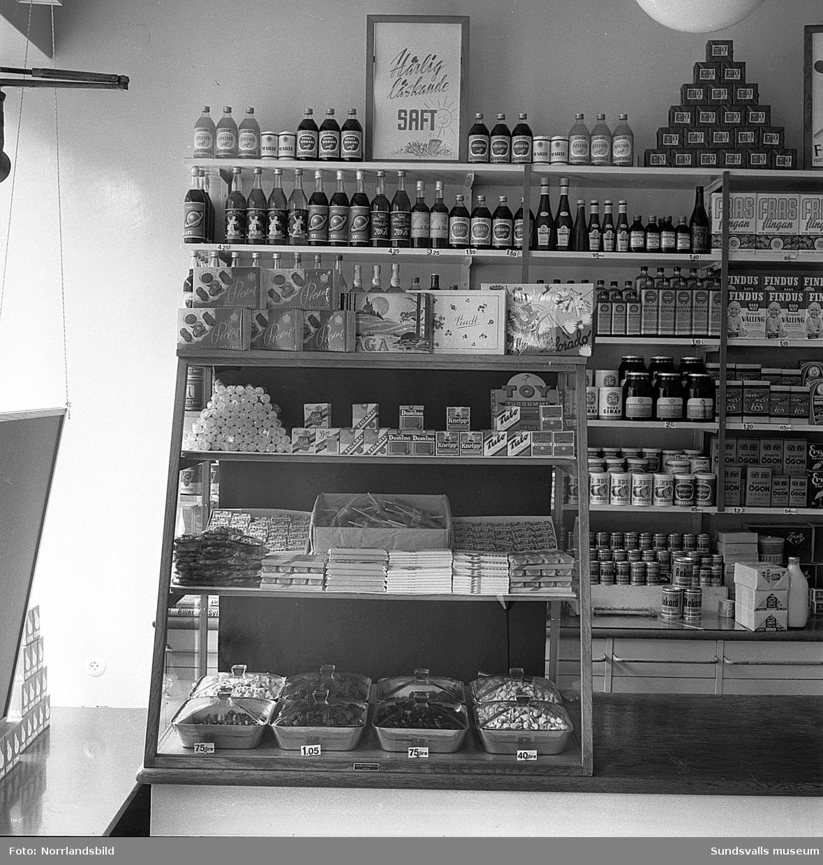 Konfektaskar och andra sötsaker på Konsum, Bankgatan.