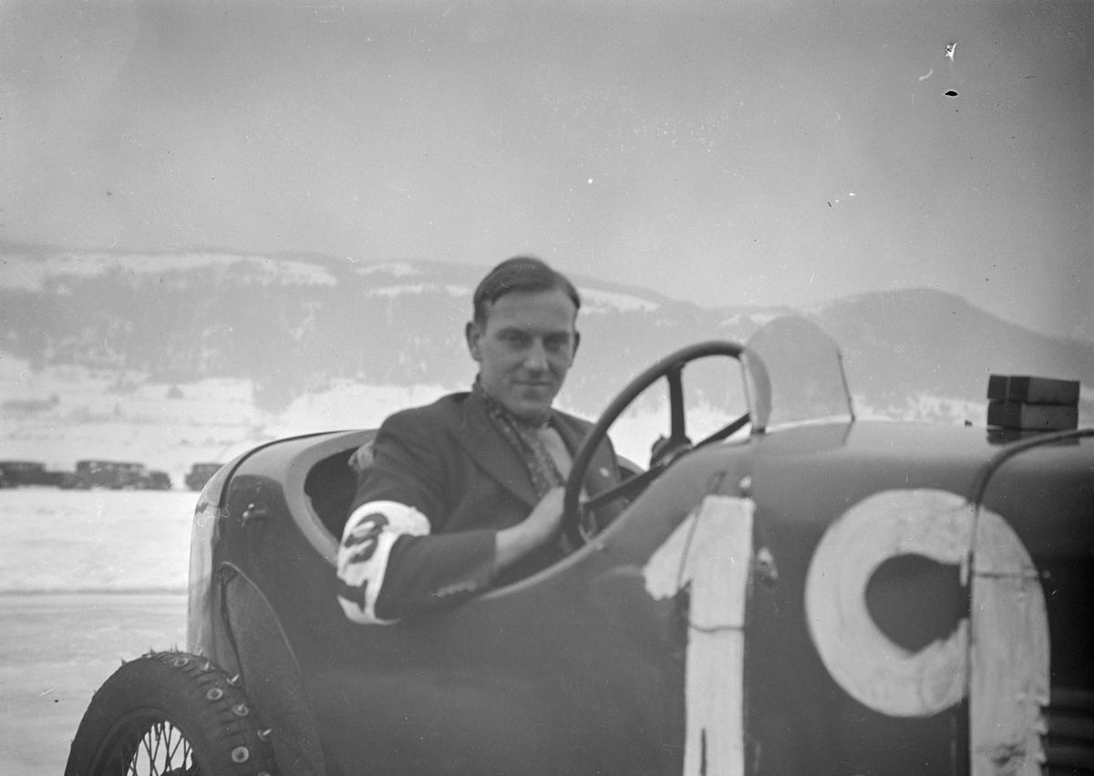 Mjøsløpet 1934, mann i racerbil, Hasler