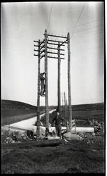 """Bilde av stolpane ved """"1900 krysset"""""""