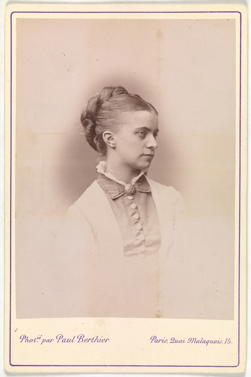 Portrett av Eva Christensen f. Mathiesen.