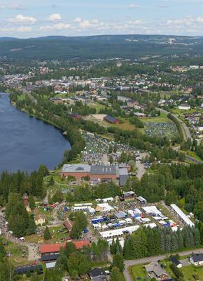 Norsk Skogmuseum fotografert fra helikopter under De nordiske jakt- og fiskedager 2014.