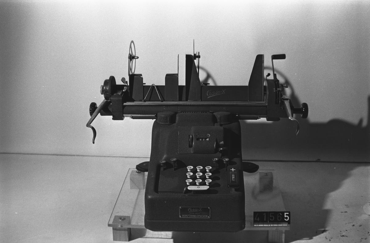Bokföringsmaskin - Tekniska Museet   DigitaltMuseum bc1ec0fe70ae1