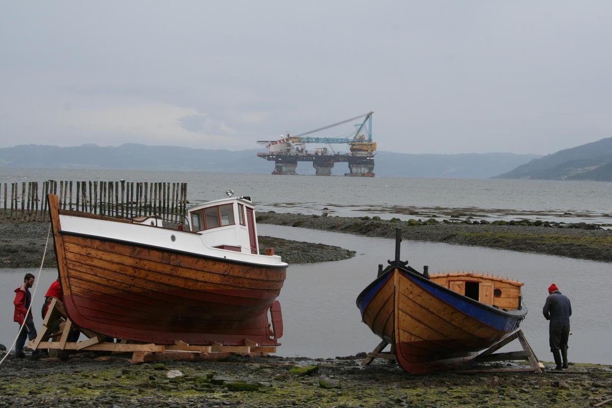 Left: Børsabåt. Right: Åfjordsbåt. (Foto/Photo)