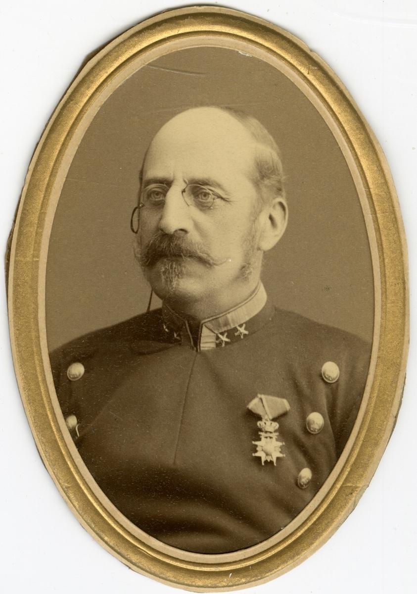 Porträtt av Edgar Julius Eneström, överstelöjtnant vid Jönköpings regemente I 12. Se även AMA.0013867.